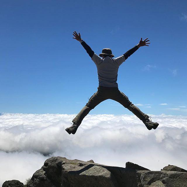 今年2回目の白山登山。会社の後輩連れて見事に晴れてみんな満足#白山 #雲の上